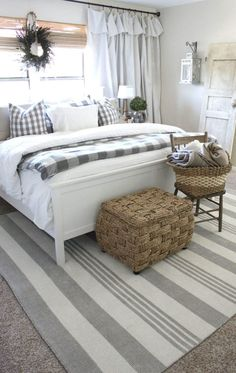 50 Modern Farmhouse Bedroom Decor Ideas Makes You Dream Beautiful In If you are looking for [keyword], You come to the right place. Below are the 50 Modern Farmhouse Bedroom Decor Ideas Makes Yo. Home Decor Bedroom, Modern Bedroom, Bedroom Ideas, Bedroom Furniture, Bedroom Colors, White Bedroom, Bedroom Designs, Contemporary Bedroom, Furniture Design