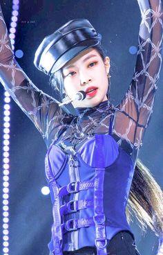 Your source of news on YG's current biggest girl group, BLACKPINK! Blackpink Fashion, Korea Fashion, Blackpink Jennie, Yg Entertainment, Michael Jackson, Square Two, Black Pink ジス, Blackpink Photos, Park Chaeyoung