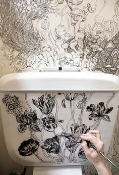 """Roza Khamitova transformed her """"boring toilet"""" into a magical space filled with detailed illustrations of flora and fauna. Perfect for when """"nature calls. Deco Design, Wall Design, Design Art, House Design, Design Room, Mural Art, Wall Murals, Wall Art, Deco Nature"""