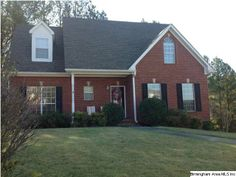 119 Treymoor Dr, check out this move-in ready home in Alabaster!
