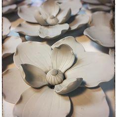 #ceramics #ceramicart #flowerart #handmade #wip #flowerart #finecraft #studioceramics