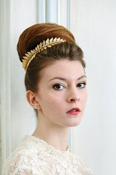 Gorgeous gold headpiece from the 'Natures Diadem' collection by 'Cherished'.    You can save 20% on any of the items from this collection now via, exclusively via www.lovemydress.net.   Headpieces - http://www.cherishedvintage.co.uk Photography - http://www.robertlawler.co.uk/ Dresses - http://heavenlyvintagebrides.co.uk/