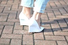 Trend white pointy wedge heels