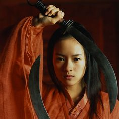 Gabu Wing Chun Campfire — drunkensword: Ziyi Zhang as Moon 如月 in Hero 英雄. Zhang Ziyi, Martial Arts Movies, Martial Arts Women, Jet Li, Cary Hiroyuki Tagawa, Romantic Comedy Movies, Memoirs Of A Geisha, Movie Shots, Hero's Journey