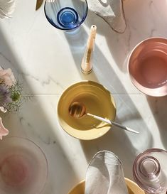 @fartilfirepiger Black Marble, Dining Table, Instagram, Design, Dinning Table, Dining Rooms, Design Comics, Dinner Table