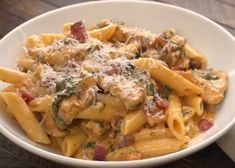 Chicken Broccoli Alfredo Penne Pasta – with homemade white cheese cream sauce. Chicken Bacon Pasta, Chicken Seasoning, Creamy Chicken, Chicken Recipes, Penne, Gourmet Recipes, Dinner Recipes, Healthy Recipes, Tiphero Recipes