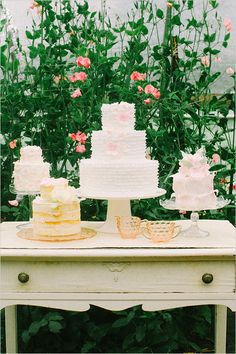 wedding cakes on vintage dresser http://www.weddingchicks.com/2013/10/18/heirloom-wedding-ideas/