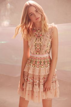 This Dreamy Collection From Needle and Thread Is A Must See - Herren- und Damenmode - Kleidung Lovely Dresses, Trendy Dresses, Short Dresses, Fashion Dresses, Mode Boho, Mode Chic, Boho Dress, Dress Skirt, Dress Up