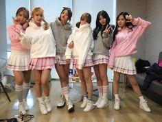 Choa, Yuna, Hyejeong, Jimin, Chanmi and Mina