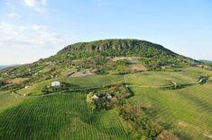Badacsony, Geológiai és botanikai tanösvény Hungary, Golf Courses, Country Roads, Mountains, Nature, Travel, Naturaleza, Viajes, Destinations