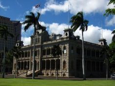 Sparse Clouds at Iolani Palace