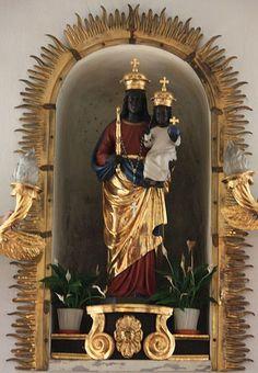 Black Madonna and Child Religious Icons, Religious Art, Klagenfurt, La Madone, Lady Of Fatima, Madonna And Child, Saints, African Diaspora, My Black Is Beautiful