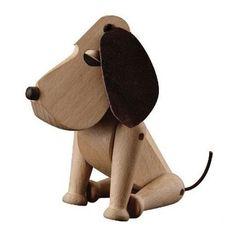 ArchitectMade Oscar træfigur hund. Designet af Hans Bølling.