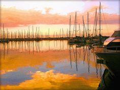 'Der Hafen geht schlafen' von Dirk h. Wendt bei artflakes.com als Poster oder Kunstdruck $23.37