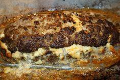Ruokasurffausta: Koskenlaskija-mureke Cheesesteak, Banana Bread, Food And Drink, Baking, Ethnic Recipes, Desserts, Foods, Warm, Tailgate Desserts