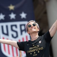 Coupe du monde féminine : Le discours très politique de Megan Rapinoe Hailey Baldwin, Kourtney Kardashian, Jennifer Aniston, Brad Pitt, Victoria Beckham, Jouer Au Foot, Donald Trump, Interview, Megan Rapinoe