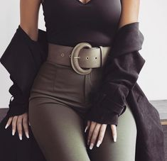 Image shared by Letta. Find images and videos about fashion, clothes and nails on We Heart It - the app to get lost in what you love. Classy Outfits, Trendy Outfits, Fall Outfits, Outfit Winter, Mode Outfits, Fashion Outfits, Womens Fashion, Fashion Trends, Fashion Clothes