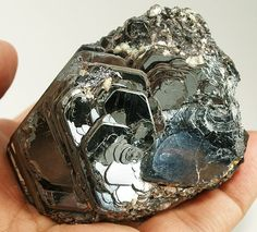 hematitehearts: Hematite Locality: Novo... | The Purple Geologist