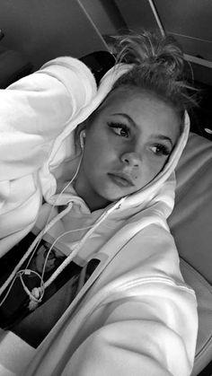 Jordyn's  travel day  SC: jordynjones11 #jordynjones #actress #model #dancer #singer #designer https://www.jordynonline.com