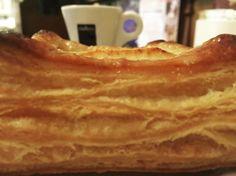 Buongiorno sfoglia con mela e cannella e un caffè? Buona giornata!! #amore #apple #bom #breakfast #bomdia #buongiorno #ciao #pie #cool #caffè #expresso #colazione #croissant #cappuccino #cioccolato #eat #food #goodday #goodmorning #love #lunch #muffin #pretty #pastelleria #pasticceria #coffee #colazioneitaliana #l4l #lol #love