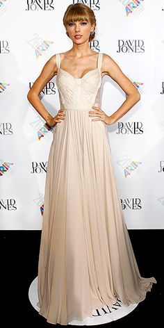 TAYLOR SWIFT photo | Taylor Swift    1