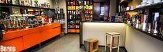 Impressionen von Beans Kaffeespezialitäten - Alles für den Kaffeeliebhaber! #espresso #coffee #shop #vienna Coffee Shop, Espresso, Liquor Cabinet, Beans, Storage, Furniture, Home Decor, Coffee Shops, Espresso Coffee
