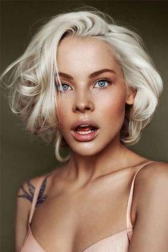 Platinum blonde hair color for olive skin women Natural Hair Styles, Short Hair Styles, Pixie Haircut Styles, Blunt Haircut, Cool Hair Color, Hair Colors, Hair Dos, Her Hair, Wavy Hair