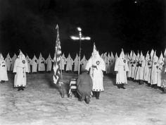 african americans in 1920 chicago | ... :Members of the Ku Klux Klan take part in a ceremony in the 1920s
