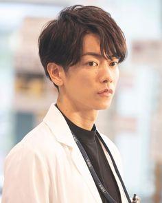 Japanese Drama, Japanese Men, Takeru Sato, Fashion Poses, Man Crush, Handsome Boys, Kdrama, Actors & Actresses, Movie Tv