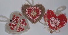 décoration de Noël à suspendre petit coeurs Alsacien. Vendu par lot