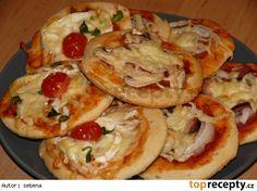 Slané koláč ky z DP recept - TopRecepty. Snacks, Bread Baking, Easy Dinner Recipes, Ham, Pizza, Food And Drink, Breakfast, Ethnic Recipes, Desserts
