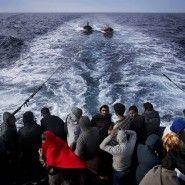 Mittelmeer: Österreich wirft Seenotrettern Kooperation mit Schleppern vor - Ausland - FAZ