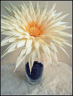 Crepe paper flower,puede usarse el modelo con hojas de maíz secas y blanquedas