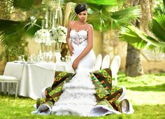 Bridal List: Viral 2019 Ghanaian 🇬🇭 Jaw-Dropping Kente Wedding Dress A Bride Must Have African Wedding Cakes, African Wedding Theme, African Print Wedding Dress, African Wedding Attire, African Print Dresses, African Prints, Mermaid Dresses, Bridal Dresses, Wedding Gowns