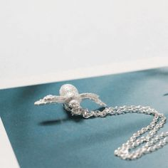 Necklace - 925 Sterling Silver - Cute Little Bee Necklaces Bee Necklace, Necklaces, Bracelets, Bees, Wax, Sterling Silver, Diamond, Pendant, Cute