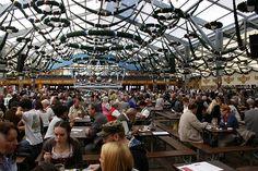 Gospodarze oraz organizatorzy tegorocznej imprezy Oktoberfest dokładają wszelkich starań, by zadbać o bezpieczeństwo gości, jak również ich nie niepokoić.