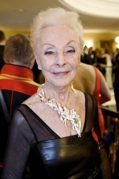 Finnish actress, Seela Sella, 80, wearing an outstanding necklace by Olli Lindroos - to be sold for charity (dec 2017)