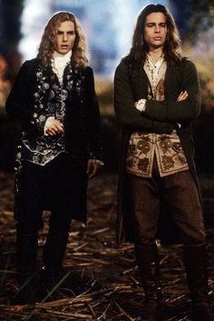 This image is from Interview with the Vampire: The Vampire Chronicles and features Brad Pitt as Louis de Pointe du Lac and Tom Cruise as Lestat de Lioncourt Victorian Vampire Costume, Vampire Costumes, Halloween Costumes, Hot Vampires, Vampires And Werewolves, Tom Cruise, Brad Pitt, Anne Rice Vampire Chronicles, Lestat And Louis