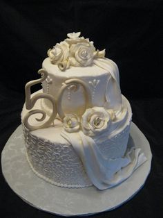 D & # s Cookie Jar & More: 50 aniversario cakes Golden Anniversary Cake, 50th Wedding Anniversary Cakes, Anniversary Ideas, Anniversary Cookies, Cake Cookies, Cupcake Cakes, 50th Cake, Occasion Cakes, Pretty Cakes