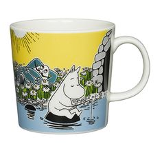 Muumimuki kesä Hetki rannalla / Moomin summer mug Moment on the Shore Moomin Shop, Moomin Mugs, Moomin Valley, Enchanted Doll, Tove Jansson, Marimekko, Cute Characters, Ceramic Mugs, Character Illustration