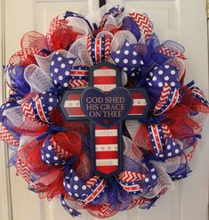 This large wreath would be perfect to celebrate July and any other Patriotic Holiday! It has three different colors of metallic deco mesh: red, w. Patriotic Crafts, Patriotic Wreath, July Crafts, 4th Of July Wreath, Summer Crafts, Wreath Crafts, Diy Wreath, Wreath Ideas, Wreath Making
