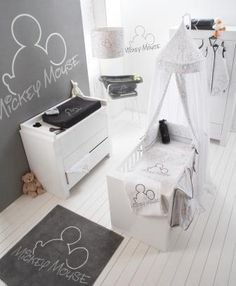 Mickey Mouse babykamer