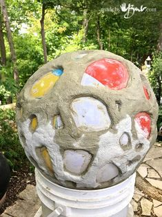 Large Holey Concrete Voronoi Orb - Made By Barb - easy garden sphere Cement Art, Concrete Cement, Concrete Crafts, Concrete Projects, Concrete Garden, Cement Planters, Backyard Projects, Garden Spheres, Garden Balls