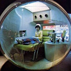 Health capsule for rest and relaxation at Osaka Expo Magnum Opus, Roman Photo, Fotojournalismus, Cool Pictures, Cool Photos, Arte Sci Fi, Inspiration Artistique, Film Photography, Art Direction