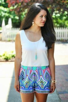 White Sleeveless Blouse With Printed Shorts