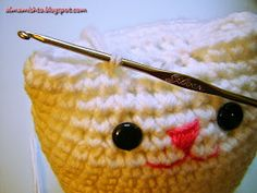 Alma Mishto de Cora King: Gato Mishto Crochet Toys, Knit Crochet, Amigurumi Tutorial, Cat Doll, Lana, Straw Bag, Free Pattern, Coin Purse, Crochet Patterns