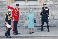 The Queen dances at low-key Trooping the Colour - video, best pictures - Photo 7 Huw Edwards, Queen's Official Birthday, Bbc Presenters, Windsor Castle, Prince Philip, Duke And Duchess, Low Key, Queen Elizabeth, Troops