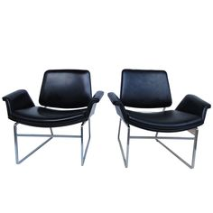 1stdibs | Rare pair Illum Wikkelso easy chairs for Arflex Italy 1964