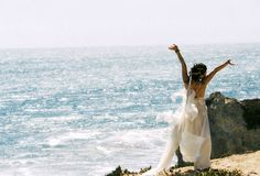 12 things to remember to do the morning of the wedding... Some good tips for sure.