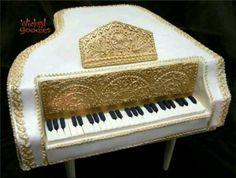 Pretty Piano Cake